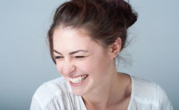 Po co technikowi dentystycznemu testy fonetyczne? Przekonaj się i zobacz, jak je wykonać